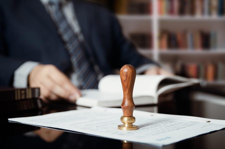 Notar und Rechtsanwalt bei Erbschaft