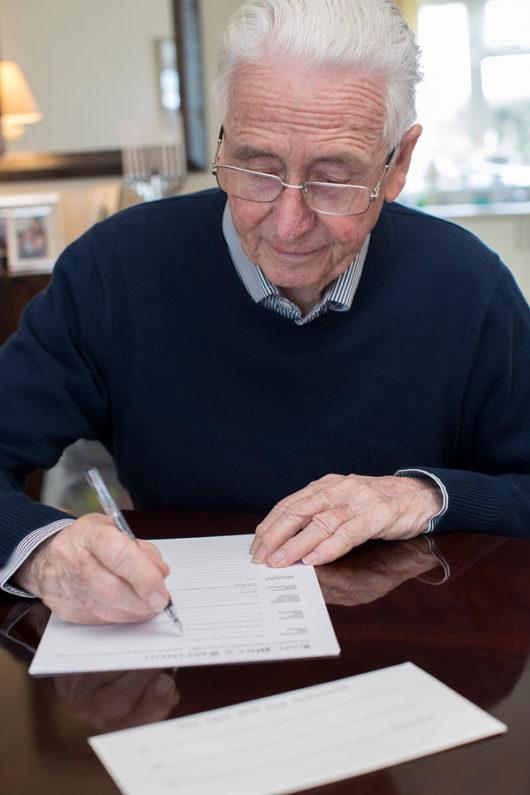 Wirksamkeit einer Unterschrift unter notariellem Testament