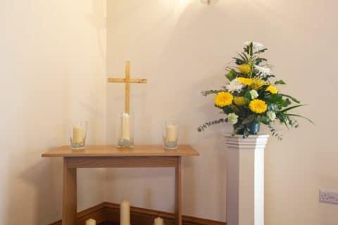 Gesamtschuldnerische Haftung von Alleinerbe und Angehörigen für Bestattungskosten