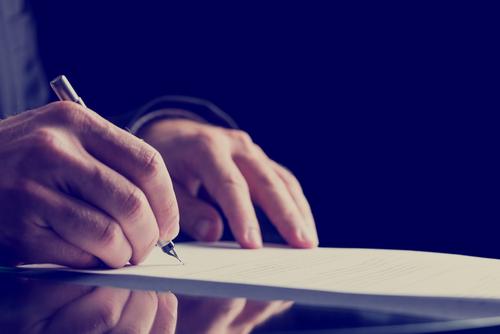 Handschriftliches Testaments - Unterschrift des Erblassers nur auf Umschlag - Wirksamkeit